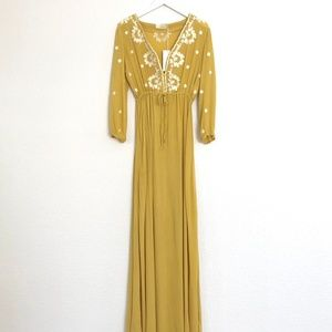 Dresses & Skirts - NWT Boho Embroidered Maxi Dress Sz M